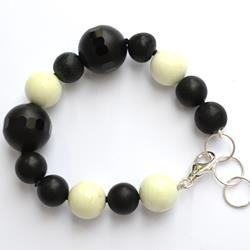 Silver bracelet with black agate and crisolemon