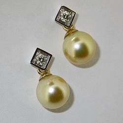 Orecchini in oro bianco con perle gold e brillanti