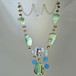 Necklace in silver and chrysoprase